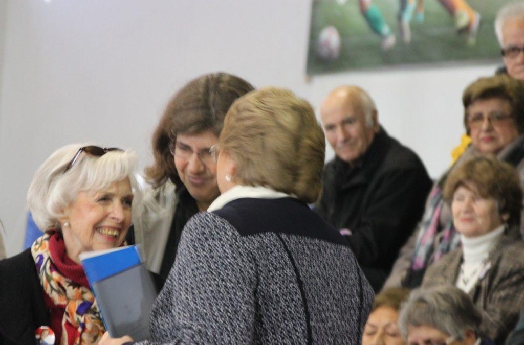 COPRAD entrega más de 12.500 firmas, junto a la propuesta del Plan Nacional de Alzheimer y otras Demencias, a la candidata presidencial Michelle Bachelet
